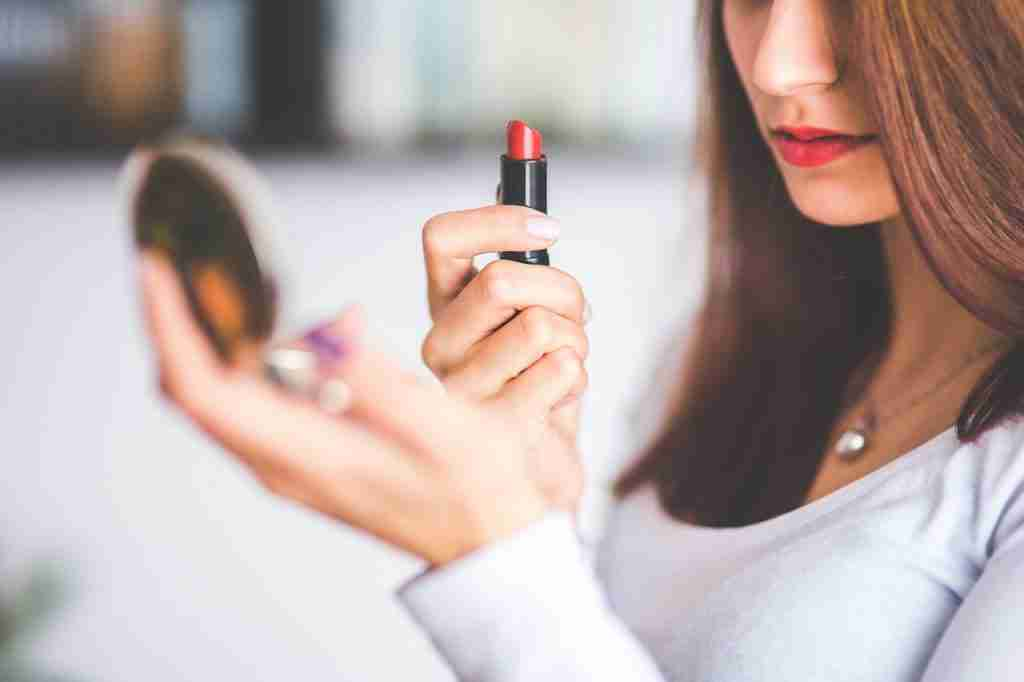 lipstick, lipgloss, lip gloss